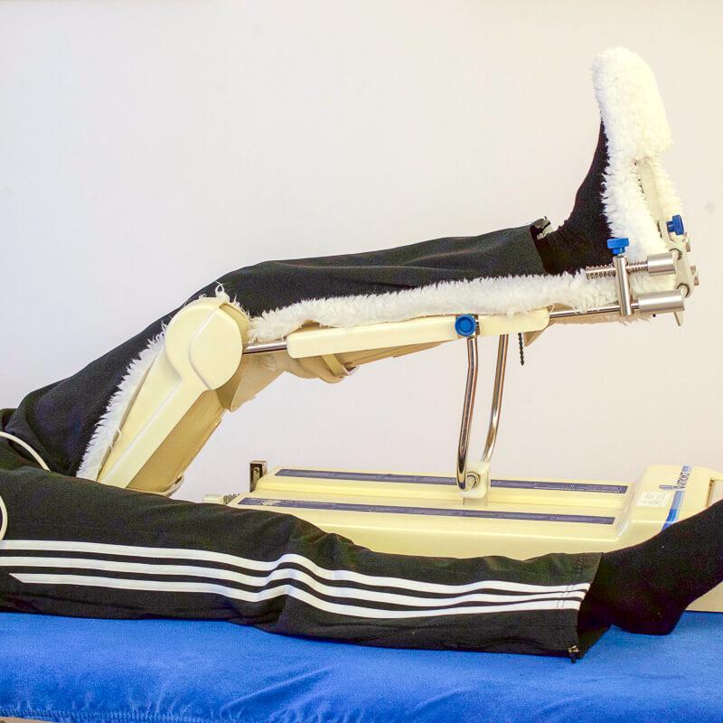Knie- und Hüftbewegungsschiene